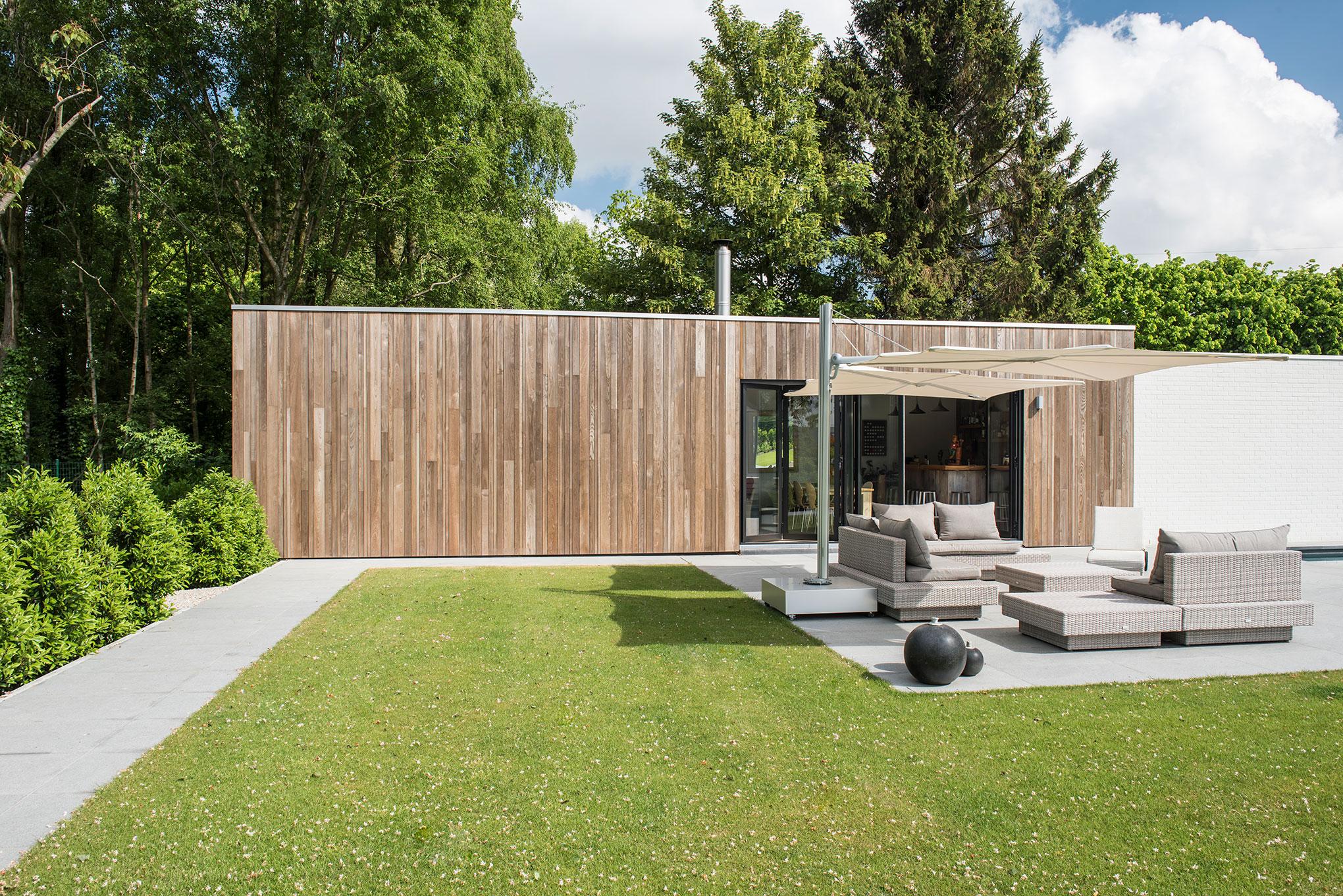 Moderne poolhouse met hobbyruimte te tielt livinlodge for Tuin ontwerpen ipad
