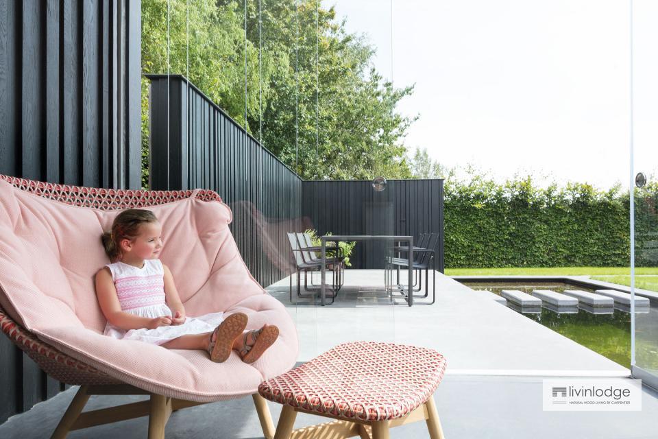 Moderne poolhouse met tuinwand te Tielt