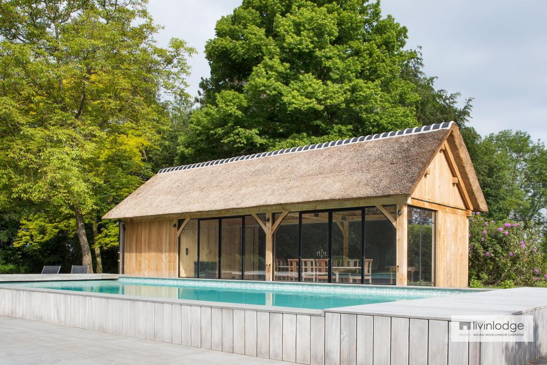 Klassieke Livinlodge poolhouse op maat