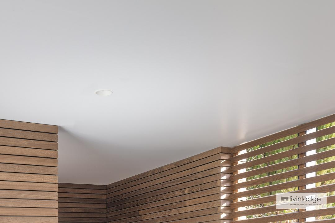 Exclusieve afwerking houten bijgebouwen