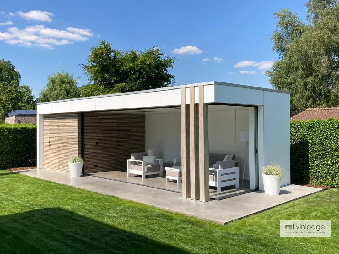 Moderne tuinberging met overdekt terras | Houten bijgebouw op maat